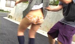 女子高生スカートめくり動画